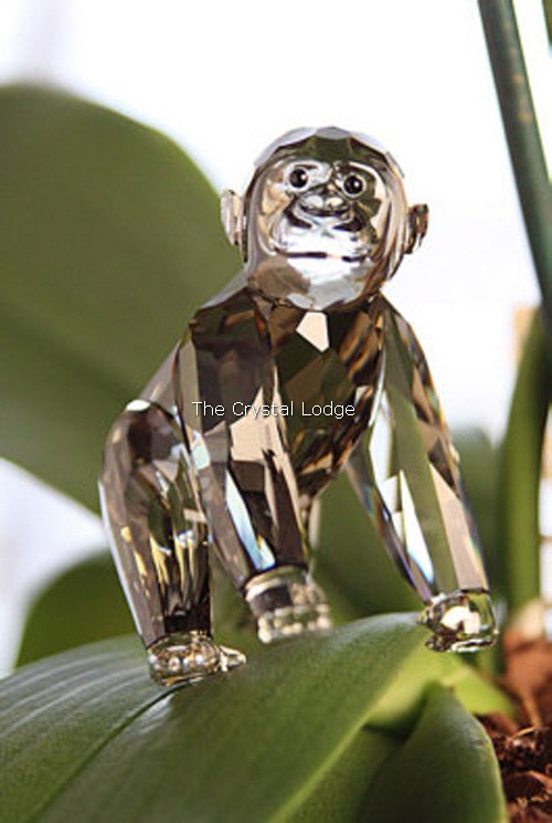 Swarovski_2009_annual_edition_companion_Gorilla_cub_955440   The Crystal Lodge