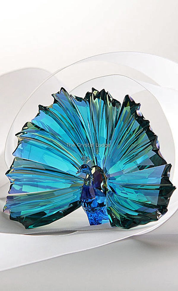 Swarovski_2015_annual_edition_Ayra_peacock_5063694   The Crystal Lodge